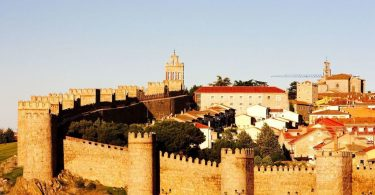 The-prettiest-walled-cities-in-the-world.jpg
